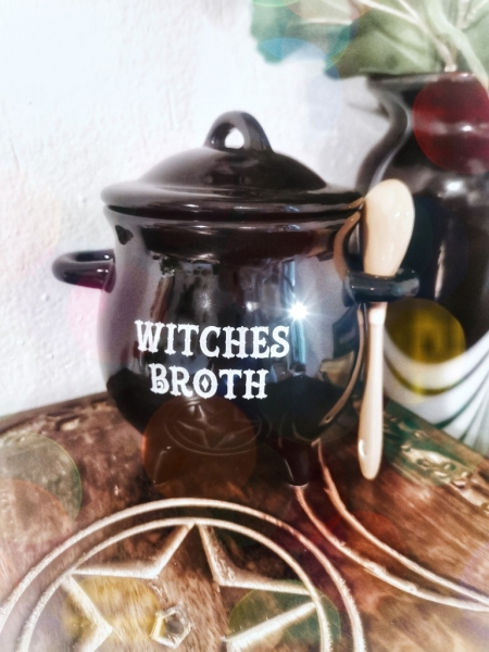 "Suppenkessel ""witches broth"""